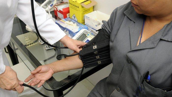 Sekeluarga Kena Kolesterol Belum Tentu karena Genetik, Bisa Jadi Punya Lifestyle yang Sama Buruknya