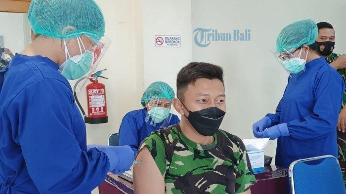 Ilustrasi proses vaksinasi