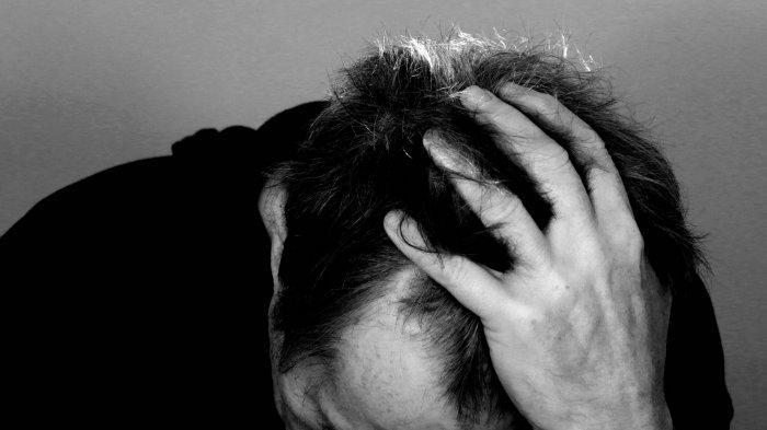 Ilustrasi sakit kepala dan demam