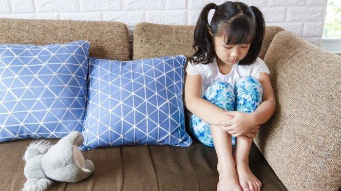 ilustrasi anak tidak ceria karena mengalami anemia defisiensi zat besi