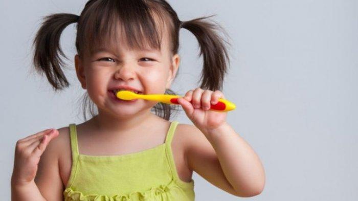Ini Pentingnya Mengajarkan Cara Menjaga Kesehatan Gigi pada Anak