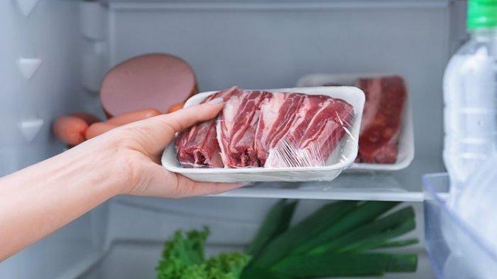 Alasan Ahli Gizi Menganjurkan Mencuci Daging yang Akan Dimasukkan ke Dalam Kulkas?