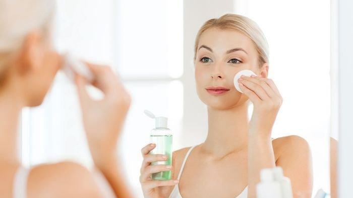 Dokter Jelaskan Cara Pemakaian Skincare yang Tepat bagi Kulit Berminyak, Simak Berikut Ini