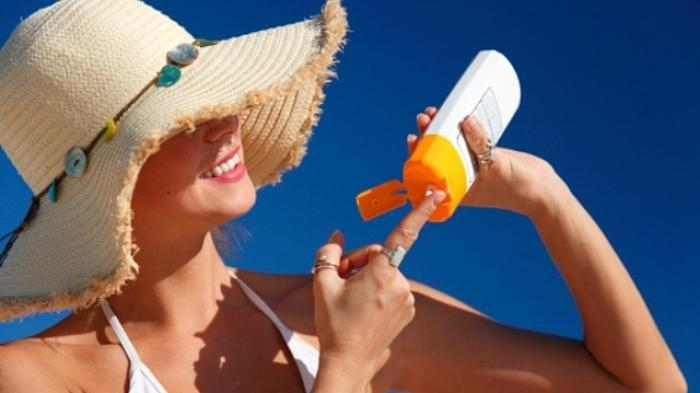 Ilustrasi - penggunaan tabir surya