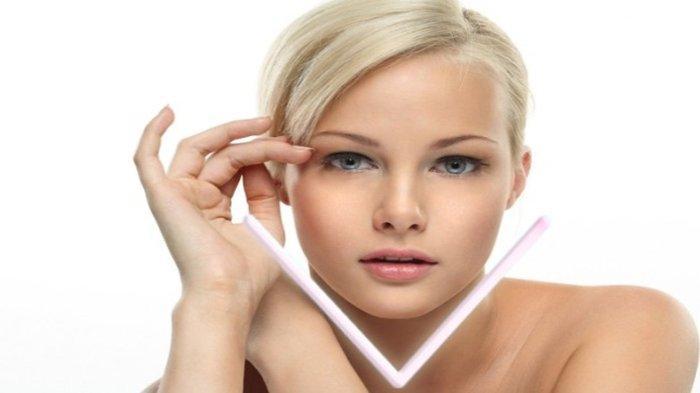 Ilustrasi - Seorang wanita dengan bentuk wajah V-Shape