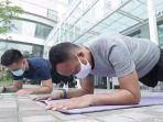 gerakan-roll-plank.jpg