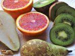 ilustrasi-buah-kiwi-pir-sebagai-sumber-vitamin-alami.jpg