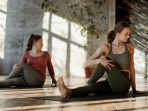 ilustrasi-gerakan-prenatal-yoga-pada-usia-awal-kehamilan.jpg