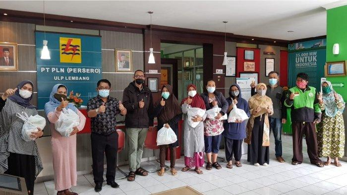 Jumat Berkah, PLN UP3 Cimahi Bagikan Sembako Kepada Warga dari Hasil Galang Dana Karyawan