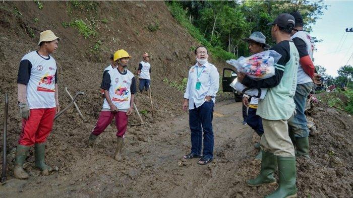 Calon Bupati Cianjur nomer urut 3, Herman Suherman Sambangi Desa-desa Terpencil di Cidaun