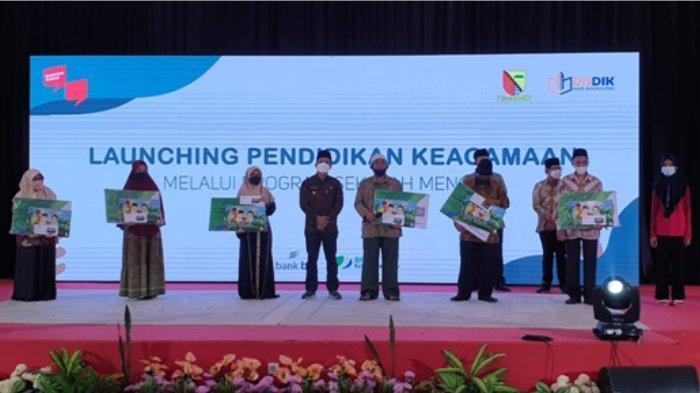 Launching Pendidikan Keagamaan melalui program sekolah mengaji bagi Masyarakat kabupaten Bandung secara resmi dibuka oleh Bupati Kabupaten Bandung, H. Dadang Supriatna, S.Ip, M.Si