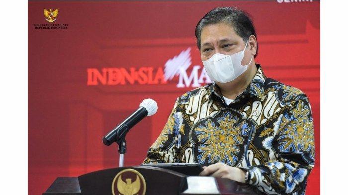 Menteri Koordinator Bidang Perekonomian, Airlangga Hartarto, saat memberikan pernyataan di Kantor Presiden, Jakarta, pada Senin, 17 Mei 2021.