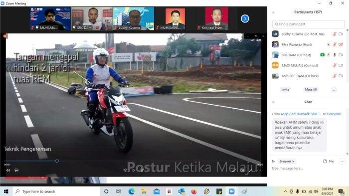 Seluruh peserta webinar Safety Riding mendapatkan pembekalan teknik berkendara yang aman dan nyaman dari tim Instruktur Safety Riding DAM.