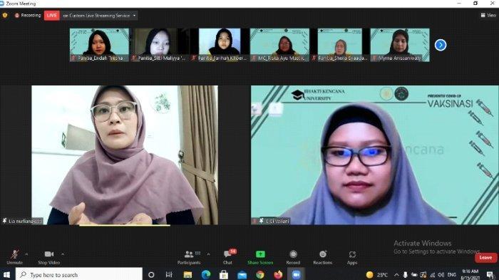 """Penyampaian materi 1 mengenai """"Pengenalan vaksin Kepada Siswa SMA dan SMK"""" oleh Ibu Lia Nurlianawati, S.Kep., Ners.,M.Kep"""