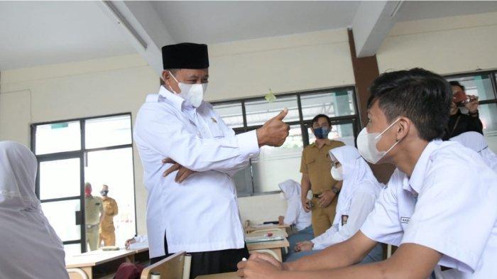 Pelaksaan Pembelajaran Tatap Muka di Tasik Pakai Protokol Kesehatan Ketat, Wagub Beryukur PTM Lancar