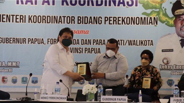 Menko Airlangga Minta Pemerintah Papua Percepat Realisasi Anggaran Covid-19