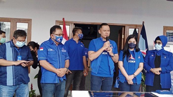Ketua Umum Partai Demokrat, Agus Harimurti Yudhoyono (AHY) saat melakukan kunjungan ke Kota Cimahi.