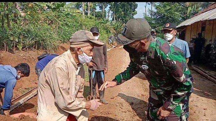 Kakek 70 Tahun Asal Mande Bikin Dandim 0608 Cianjur Kagum & Terkesima, Ini yang Dilakukan Aki Dayat
