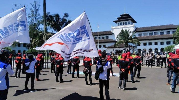 Aliansi Buruh Jawa Barat Tuntut Perusahaan Bayar THR Penuh, Jangan Dicicil