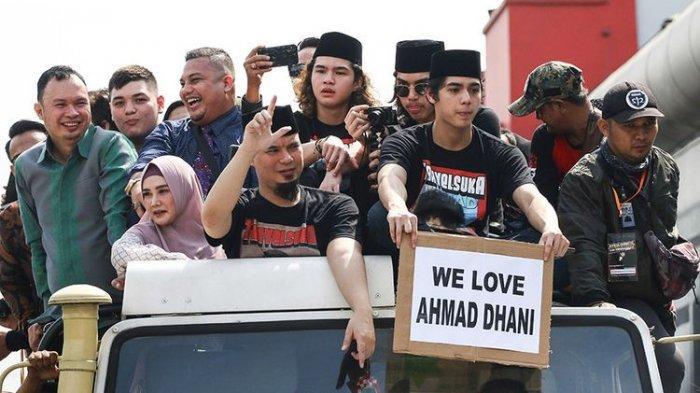 Ahmad Dhani Bebas dari Penjara, Diarak Pendukung Gunakan Mobil Pikap dan Langsung Latihan Band