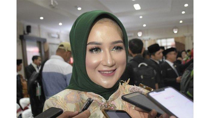 Masih 24 tahun, Bidan Alfiatun Khasanah Dilantik Jadi Anggota DPRD Kabupaten Banyumas