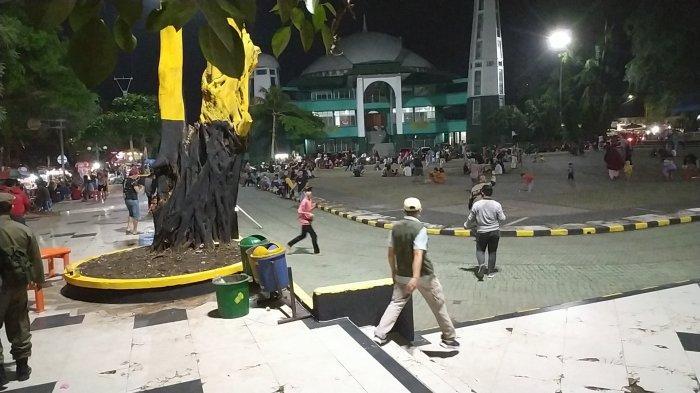 Pengunjung Alun-alun Palabuhanratu Sukabumi Berlarian Dibubarkan Petugas
