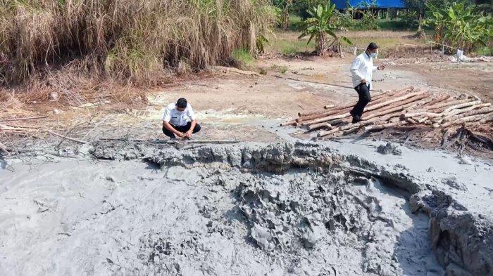 Dinas ESDM Jabar Tunggu Hasil Penelitan untuk Tindak Lanjuti Semburan di Desa Cipanas Cirebon