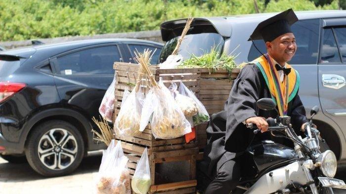 Amirudin Kini Jadi Viral, Ia Bawa Beronjong Sayuran Saat Wisuda, Ada Kisah Inspiratif di Baliknya