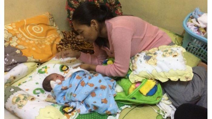 Dedi Mulyadi Menjamin Perawatan Kesehatan Bayi yang Lahir Tanpa Anus