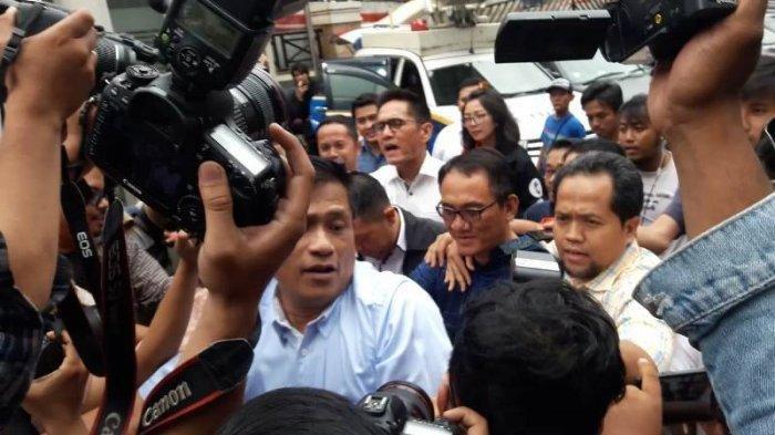 Saat Dibawa ke BNN, Andi Arief Teriak Lantang, ''I Am Not Criminal''