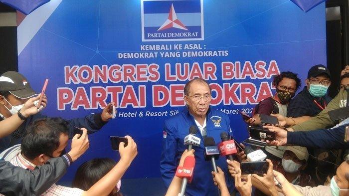 Anggota Majelis Tinggi Partai Demokrat Max Sopacua, memberikan keterangan terkait pelaksanaan KLB Partai Demokrat, di hotel The Hill Sibolangit, Deliserdang, Jumat (5/3/2021).
