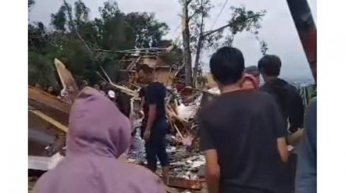 BREAKING NEWS, Angin Puting Beliung Melanda Cimenyan Bandung, Rumah Rata dengan Tanah