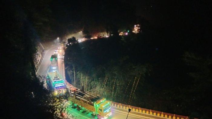Jalur Bandung-Sumedang Macet Malam Ini, Antrean Kendaraan Capai 7 Kilometer, Ini Penyebabnya