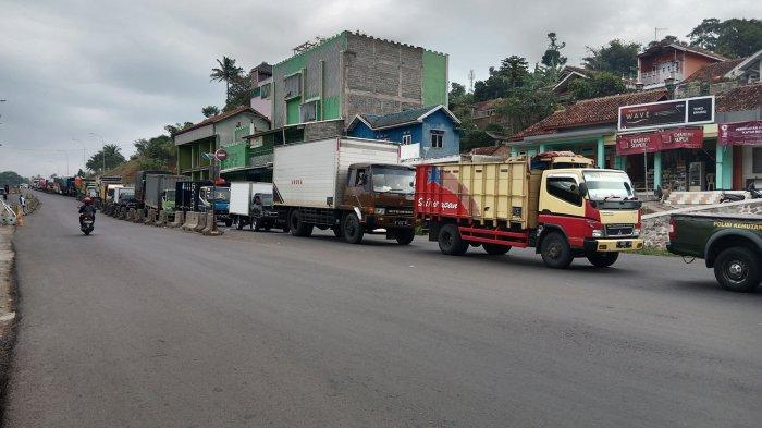 Jalan Bandung-Sumedang Masih Macet Parah, Cadas Pangeran ke Pamulihan Satu Jam Biasanya Cuma 5 Menit