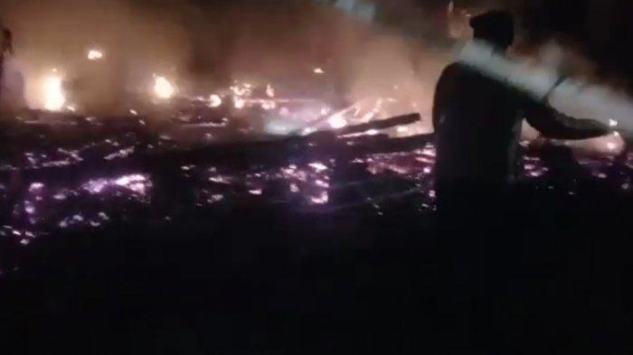 Api Hanguskan Rumah Warga di Cianjur, Dua Buah Traktor dan Sepeda Motor Ikut Terbakar