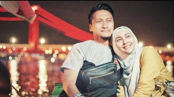 Arie Untung Tiba-tiba Bicara Poligami Pada Postingan Fotonya Bersama Fenita Arie, Mau Menikah Lagi?