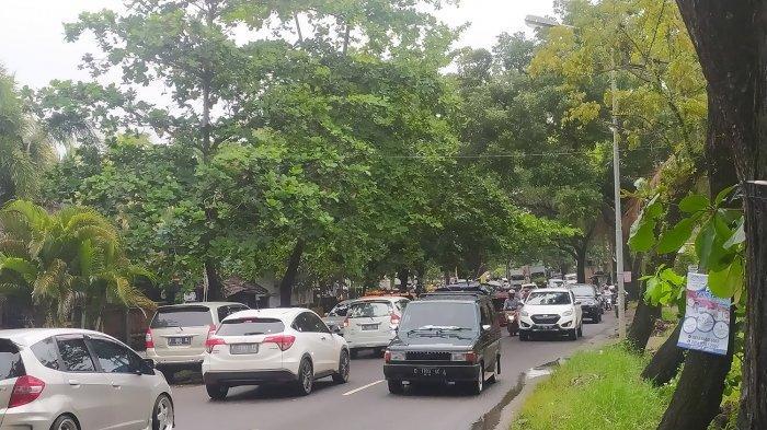Munggahan Jelang Ramadan 2021, Arus Lalu Lintas di Objek Wisata Pantai Citepus Sukabumi Padat