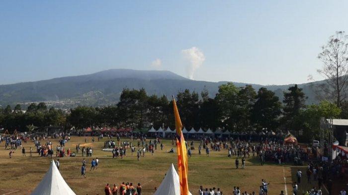 Gunung Tangkuban Perahu Belum Berhenti Erupsi, Segini Tingginya Kolom Abu