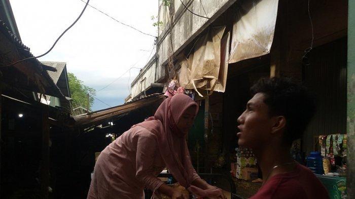 Diguyur Hujan Lebat dan Angin Kencang Sebagian Atap Lorong Pasar Subuh Ciamis Ambruk