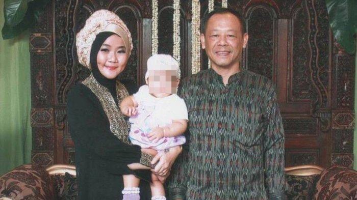 Menengok Foto-foto Mesra Aulia Kesuma dan Pupung Sadili Sebelum Tragedi Pembunuhan Berencana