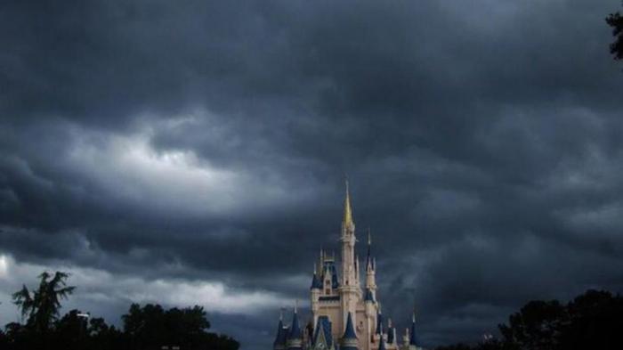 Angin Badai Matthew Datang, Taman Walt Disney World Ditutup untuk Pertama Kalinya