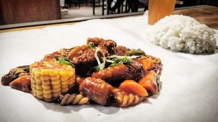 Sensasi Rasa Ayam Sawce Doube Dragon Menu Istimewa Di Kafe Ayam Sawce Pedasnya Nendang Tribun Jabar