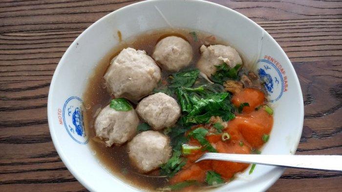 Kalau Jalan-jalan ke Kuningan, Mampirlah di Kedai Baso Podo Trisno, Dagingnya Empuk dan Lebih Gurih
