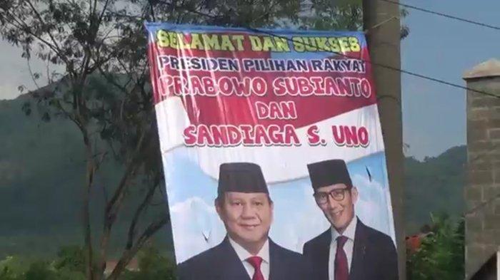 Baliho Ucapan Selamat Kepada Prabowo - Sandiaga di Jatinangor Sudah Tak Terlihat