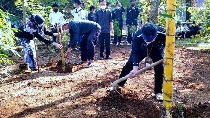 Sekolah di Purwakarta Wajib Tanam Pohon Bambu Untuk Teduhkan Sekolah
