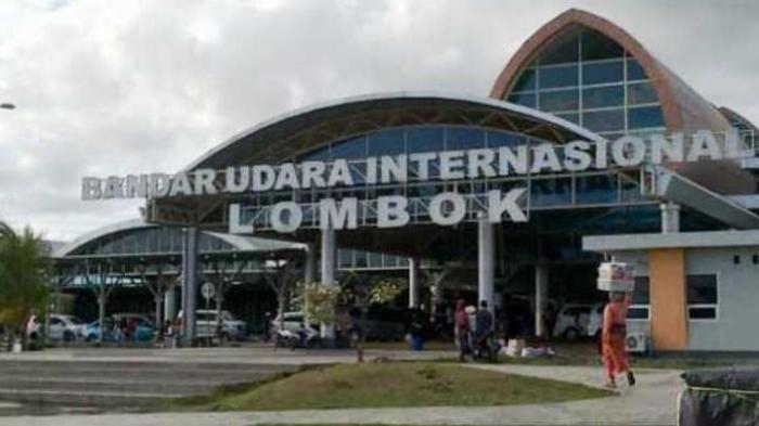 TGB Sayangkan SBY Diberi Kabar Hoax Pencopotan Prasasti di Bandara Lombok