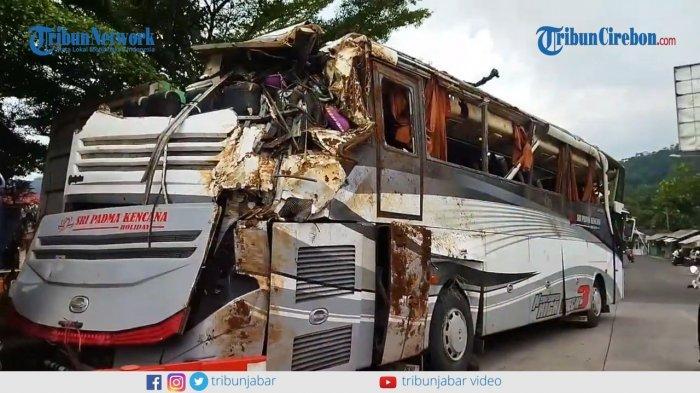 Begini Kondisi Bus Sri Padma Kencana setelah Diangkat dari Dasar Jurang, Sebagian Body Hancur