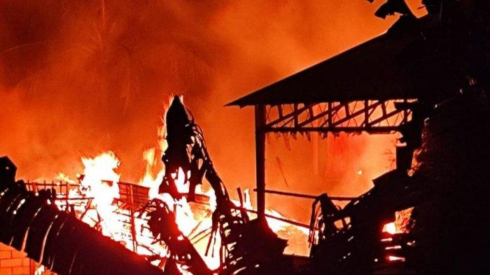 Diawali Suara Ledakan, Pabrik Pupuk milik PT Nusagri di Kabupaten Sukabumi Terbakar