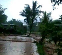 Sawah di Kecamatan Cidahu Sukabumi Terendam Banjir Seusai Hujan Deras Sore Tadi