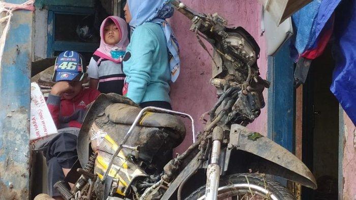 Banjir Bandang Hantam 57 Rumah di Kertasari Kabupaten Bandung, Harta Benda Warga Luluh Lantak